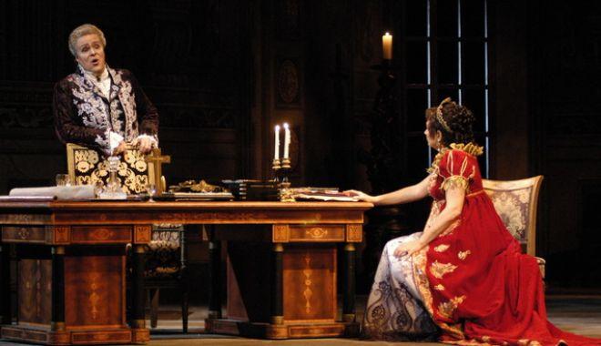 "Foto: ""Tosca"" de Giacomo Puccini, la Opera Constanţa"