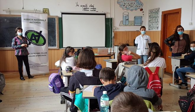 Un nou proiect în școli, pentru prevenirea consumului de droguri - xliceedroguri-1632742087.jpg