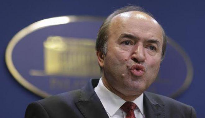 Foto: Tudorel Toader, primele declaraţii despre demisie. Ce lămuriri aduce ministrul