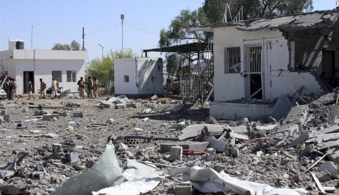 Carnagiu. Peste 800 de membri Al-Qaida, uciși - yemen800morti-1461585330.jpg