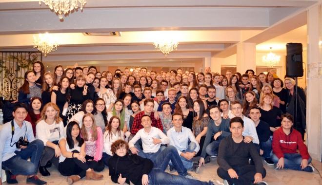 Foto: Liceenii din Medgidia  au legat prietenii  pe viaţă cu colegi  din şapte state europene