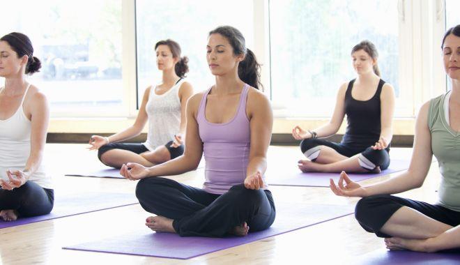 Foto: Yoga reduce depresia și anxietatea