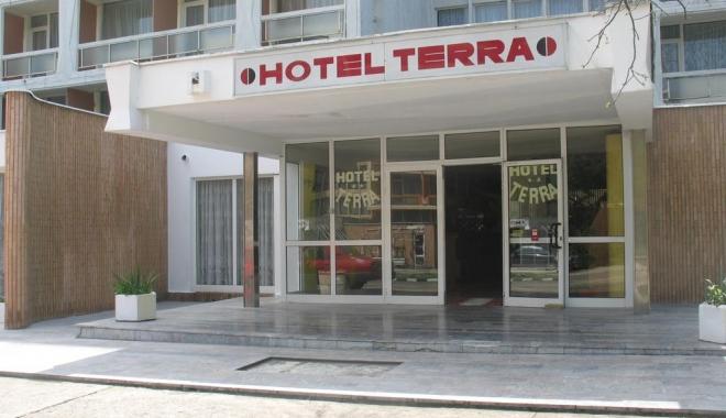 Foto: Zece hoteluri de pe litoral şi-au pierdut clasificarea. Vezi dacă aveai programată vacanţa acolo