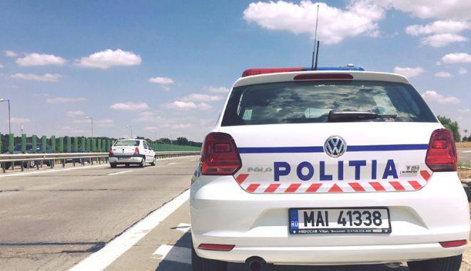 Foto: Zeci de şoferi, prinşi cu viteze ameţitoare pe autostradă