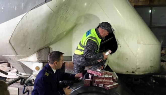 """Foto: """"Caracatiţă"""" internaţională! Cum se făceau milioane de euro din ţigări de contrabandă"""