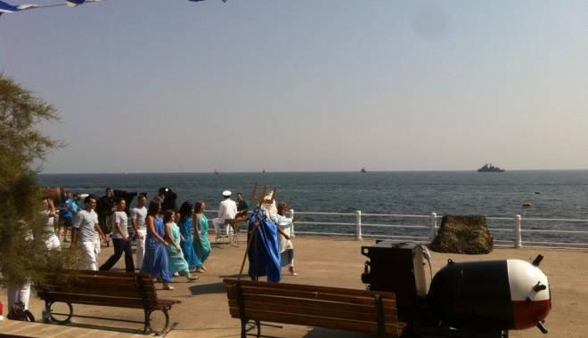 Foto: Ziua Marinei / Zeul Neptun şi-a făcut apariţia