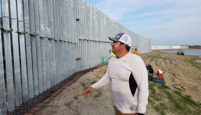 Zidul de la graniţa cu Mexic a fost scos la vânzare - ziduldelagranita-1627304394.jpg