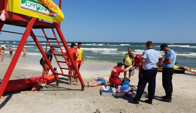 Foto: Zi neagră pe litoral! Trei oameni s-au înecat şi unul şi-a fracturat coloana