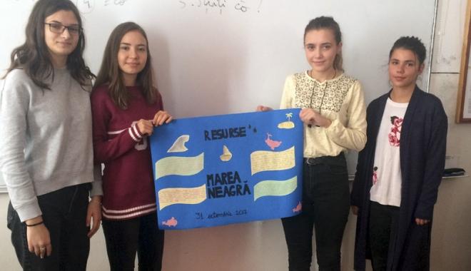 """Foto: Ziua Internațională a Mării Negre, sărbătorită la Liceul """"Nicolae Bălcescu"""" din Medgidia"""