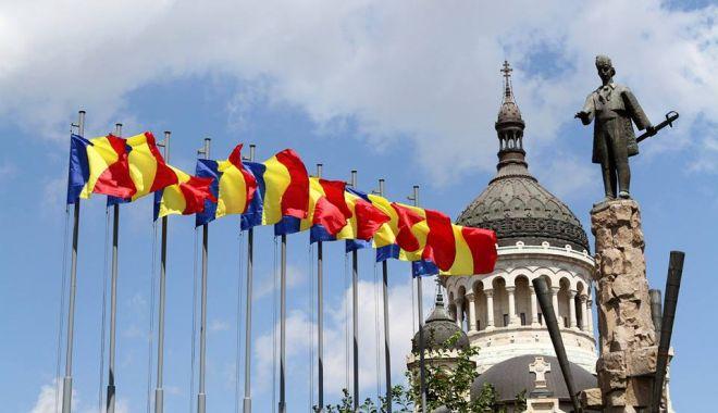 Ceremonii militare, mâine, de Ziua Drapelului Național - ziuadrapeluluinational-1529927411.jpg