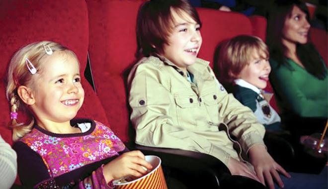 Foto: Ziua Internațională a Educației, sărbătorită la cinematograful Cityplex