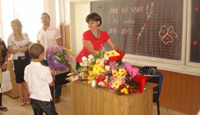 Foto: La mulţi ani tuturor învăţătorilor constănţeni!  Ce le-a transmis ministrul Sorin Câmpeanu de ziua lor