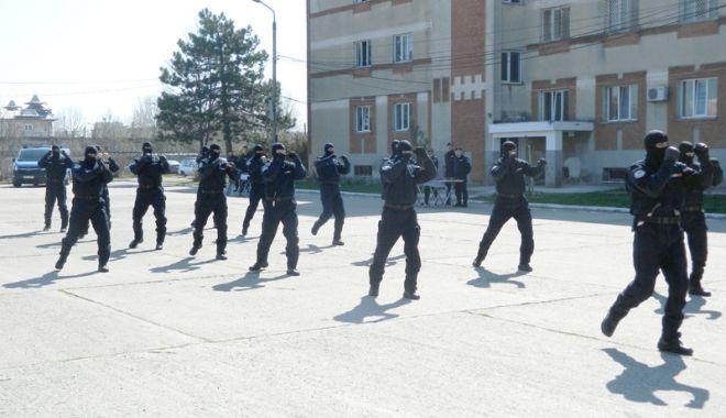 Foto: Jandarmii constănţeni, la ceas aniversar. Momentul, marcat prin activităţi multiple