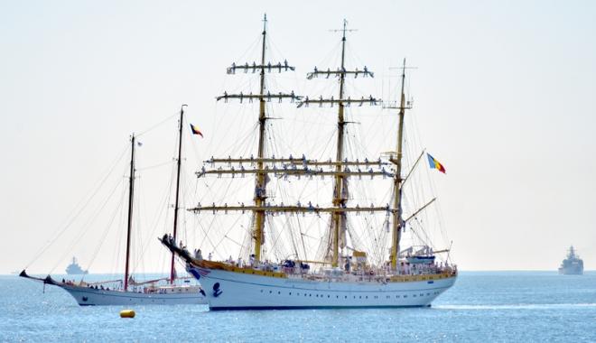 Foto: Ziua Marinei Române - Sărbătoare pentru mare şi oamenii săi!