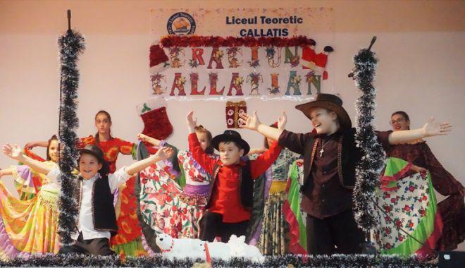 """Foto: Ziua minorităţilor naţionale, multiculturalitate şi identitate etnică la Liceul Teoretic """"Callatis"""" Mangalia"""