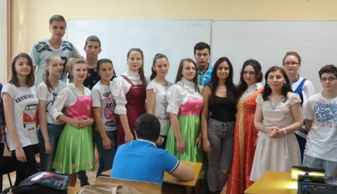 Foto: Ziua Rusiei, la Liceul
