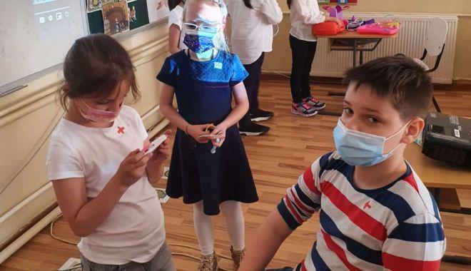 """Ziua Sănătăţii, sărbătorită de elevii Şcolii Gimnaziale nr. 18 """"Jean Bart"""" - ziuasanatatii2-1621270426.jpg"""