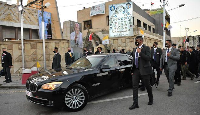 GALERIE FOTO / Cum a fost întâmpinat Papa Francisc în Irak - zjuymdy3zjbkotizyzhmmmjlyja2mgfm-1615018172.jpg