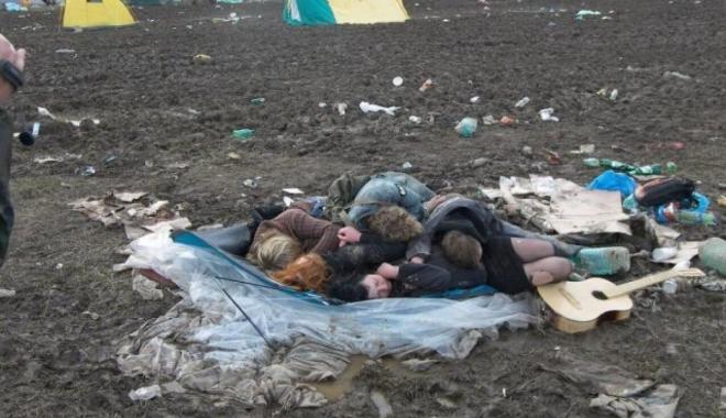 Foto: GALERIE FOTO / Un festival de muzică cunoscut s-a transformat într-un potop de noroi
