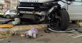 GALERIE FOTO. GRAV ACCIDENT RUTIER �N CONSTAN�A. TREI VICTIME, UN SEMAFOR D�R�MAT