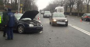ACCIDENT RUTIER ÎN EFORIE SUD! Maşină lovită din spate, izbită într-un automobil de pe contrasens