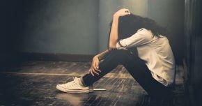 Poliția Constanța: Tânăra care s-a aruncat de la etajul al treilea suferea o decepție în dragoste