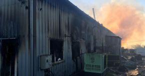 GALERIE FOTO / Incendiu puternic la Tuzla. O brutărie a ars din temelii