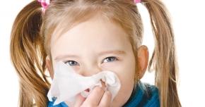 Afecţiunile de sezon ale copiilor. Sfaturi ale medicului specialist de care trebuie să ţinem cont