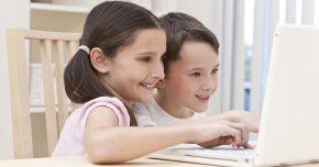 Mare atenție cu internetul! Copiii pot accesa site-uri neadecvate pentru ei
