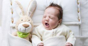 Cum trebuie aleasă îmbrăcămintea bebeluşului