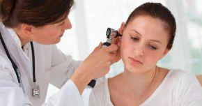 Nu vă mai curățați urechile cu bețișoare!