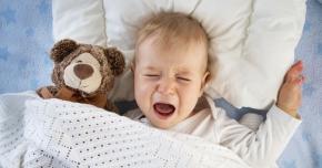 Un virus agresiv induce părinţii în eroare.