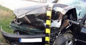 ACCIDENT GRAV PE AUTOSTRADĂ. A intrat într-un parapet şi a murit pe loc