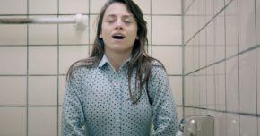 Incontinenţa urinară apare mai des la femeile fumătoare