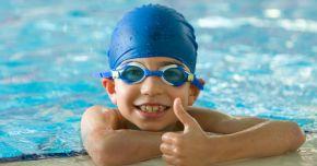 Încredere în sine! Înotul îmbunătăţeşte starea emoţională a copiilor