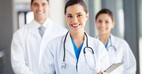 Unii medici protestează, alții își văd de treabă