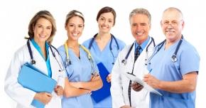 Medicii, dentiştii şi farmaciştii îşi pot ridica atestatele de studii