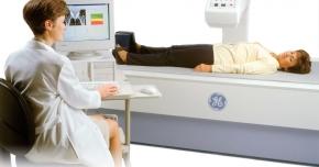 Zeci de constănţeni şi-au verificat gratuit osteoporoza