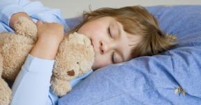 Cum facem să doarmă copiii noaptea