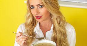 Sunteți răciți? Supa de pui este cea mai bună!