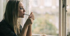 Lăsaţi-vă de fumat! Vă puneţi prea mult sănătatea în pericol