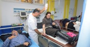 Zeci de constănţeni ajung zilnic la spital după căzături pe gheaţă