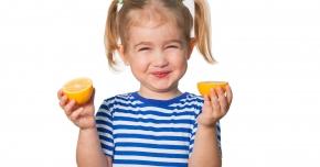 De ce este bine să le daţi copiilor vitamina C