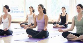 Yoga reduce depresia și anxietatea