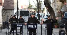 Atac cu ma�in�-capcan� �n Turcia, la o sec�ie de poli�ie. Zeci de mor�i �i r�ni�i