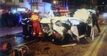 ACCIDENT CUMPLIT. Şofer beat a intrat într-o maşină, la semafor