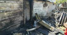 Update! Arde magazia unei case, la Mangalia. O persoană se află înăuntru!
