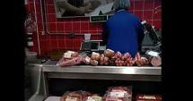 Video! O angajată a unui magazin a fost filmată în timp ce schimba etichetele cu termenul de valabilitate al produselor