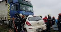 GROAZNIC ACCIDENT RUTIER. O ÎNTREAGĂ FAMILIE A MURIT! Maşina s-a izbit violent de un autotren