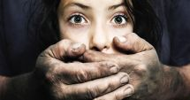ȘOCANT! Un tată este acuzat că şi-a abuzat fiicele de 800 de ori în 6 ani